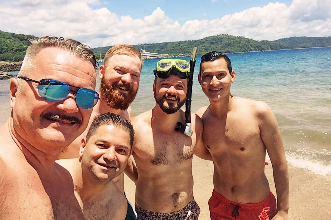Gay Travel Journal Costa Rica Enjoying snorkeling with the boys in the lukewarm water of the Pacific | Gay-friendly Costa Rica © Coupleofmen.com